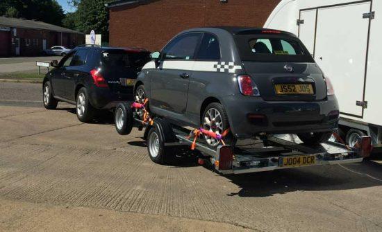 Lightweight-trailer-with-smart-car