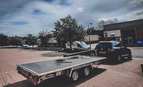 Customer-driving-away-trailer